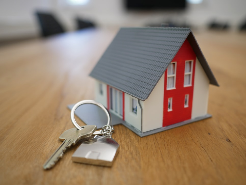 Ways to Leave Your Real Estate to Your Loved Ones (and the Pros and Cons)